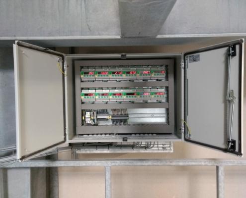 Digitaleweegversterkersgemonteerdinbedieningskastvooraansturingvanweegsystemen